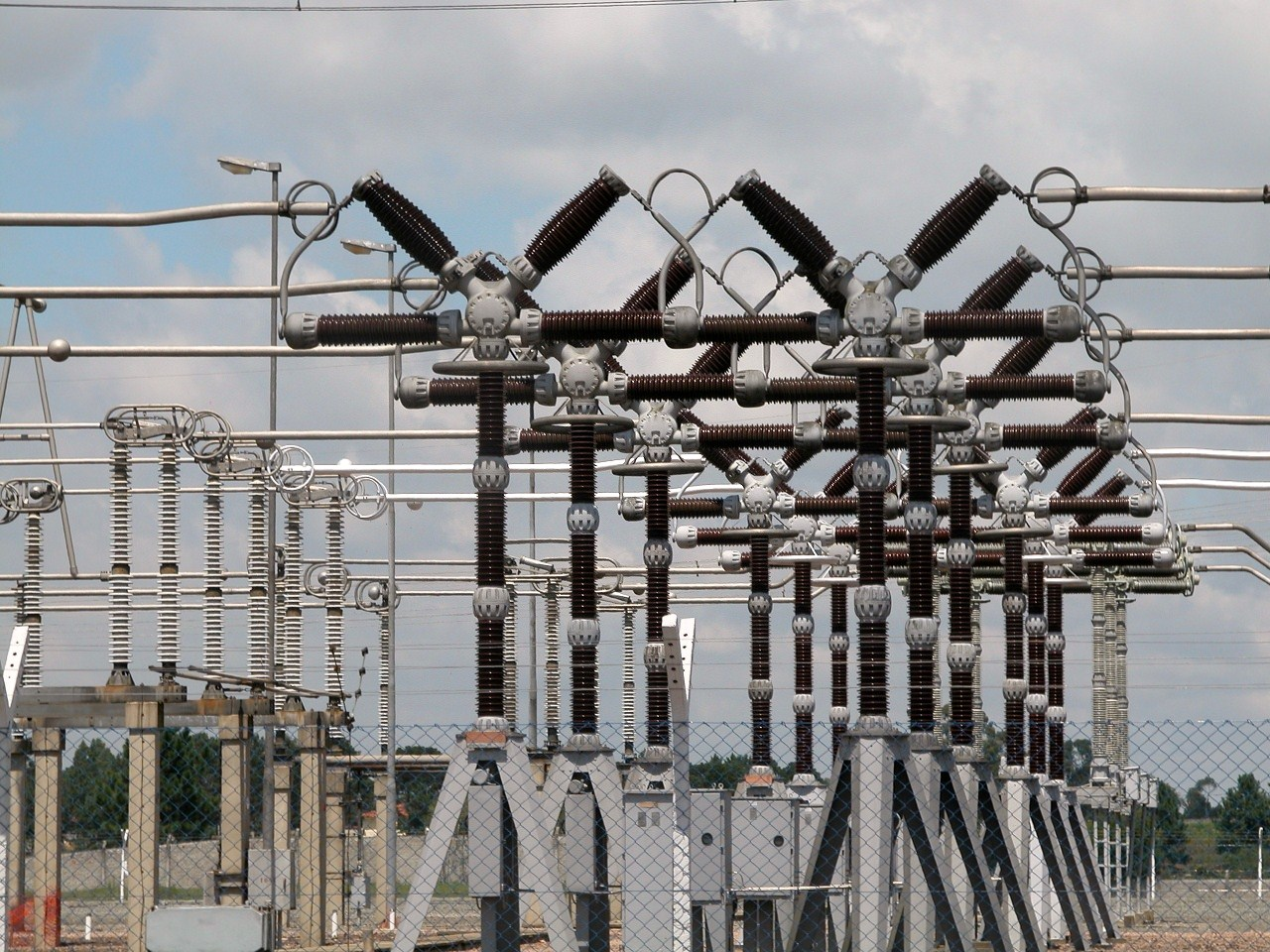 Oyo mulls independent power plants